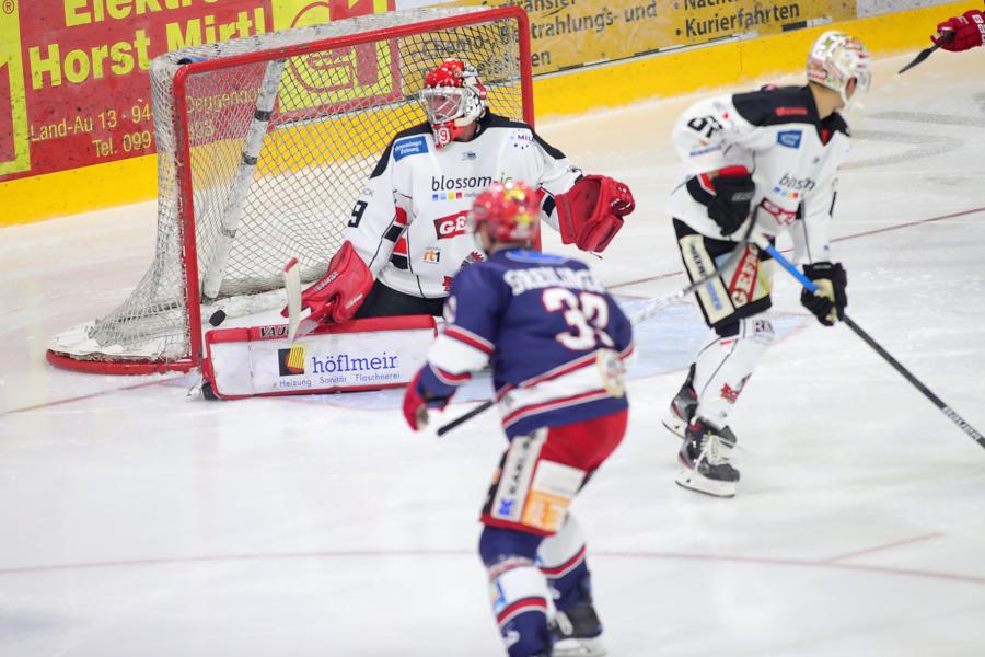 Deggendorfer SC zittert sich zu Penaltysieg über Memmingen